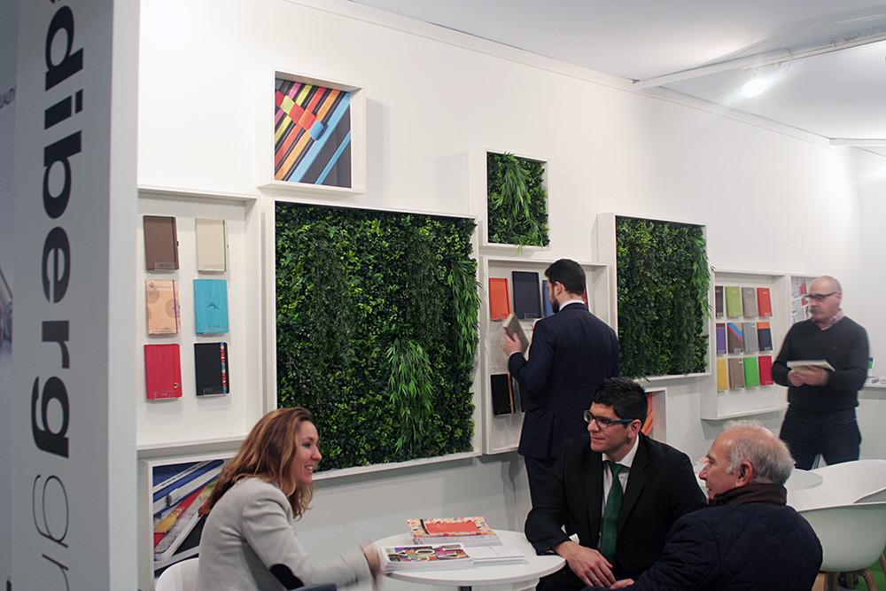Interior de stand en Promogift realizado por Decroaicón de Stands y Diseño de stands Feriales
