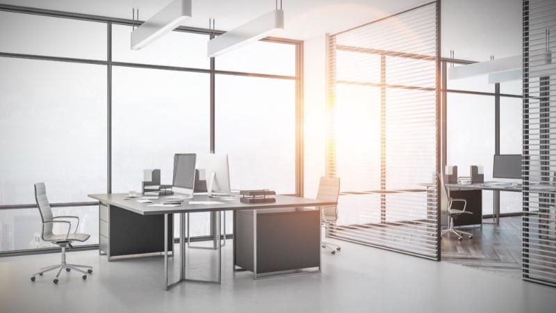 Reformas de oficinas con mamparas de oficinas de aluminio y cristal