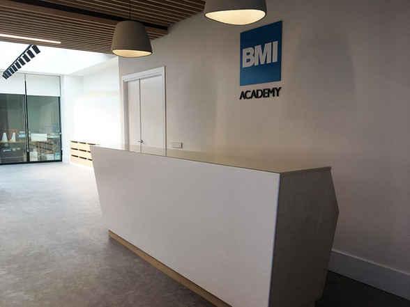 Diseño de Showroom y aula didáctica para BMI
