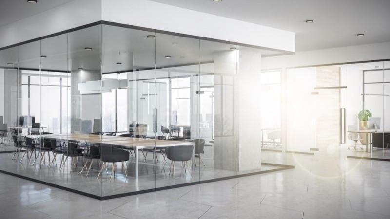 Reforma de oficinas con mamparas de vidrio
