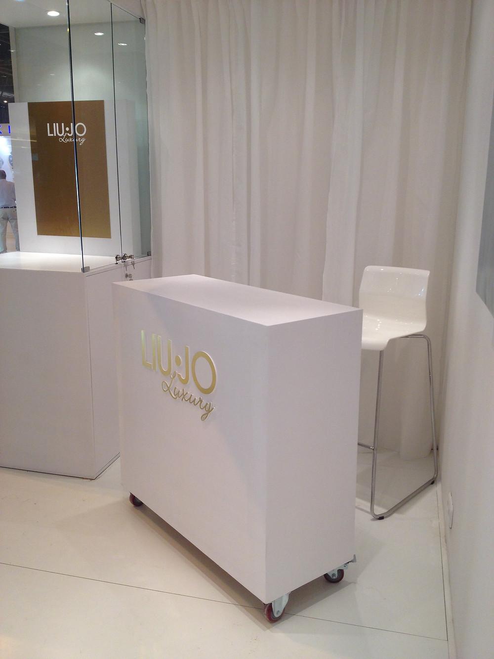 diseño de stands para Liu-jo realizado por Decoración de stands en Madrid joya