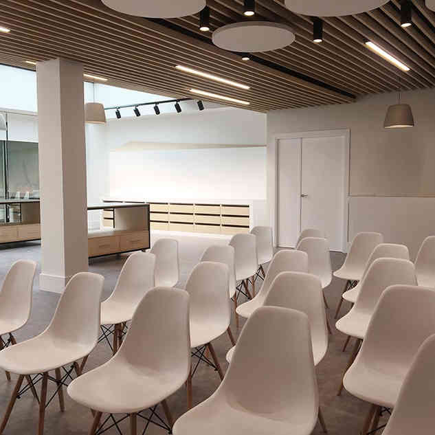Diseño y reforma de espacio educativo y Showroom para BMI Cobert
