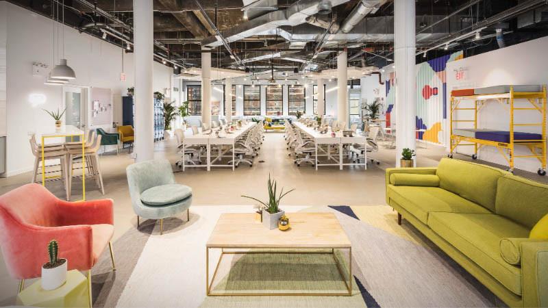 Diseño y reforma de oficina con puesto móviles para compaginar con el teletrabajo