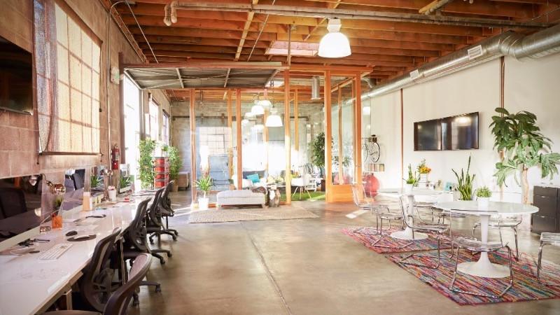 Decoración y reformas de oficinas con espacios abiertos y flexibles