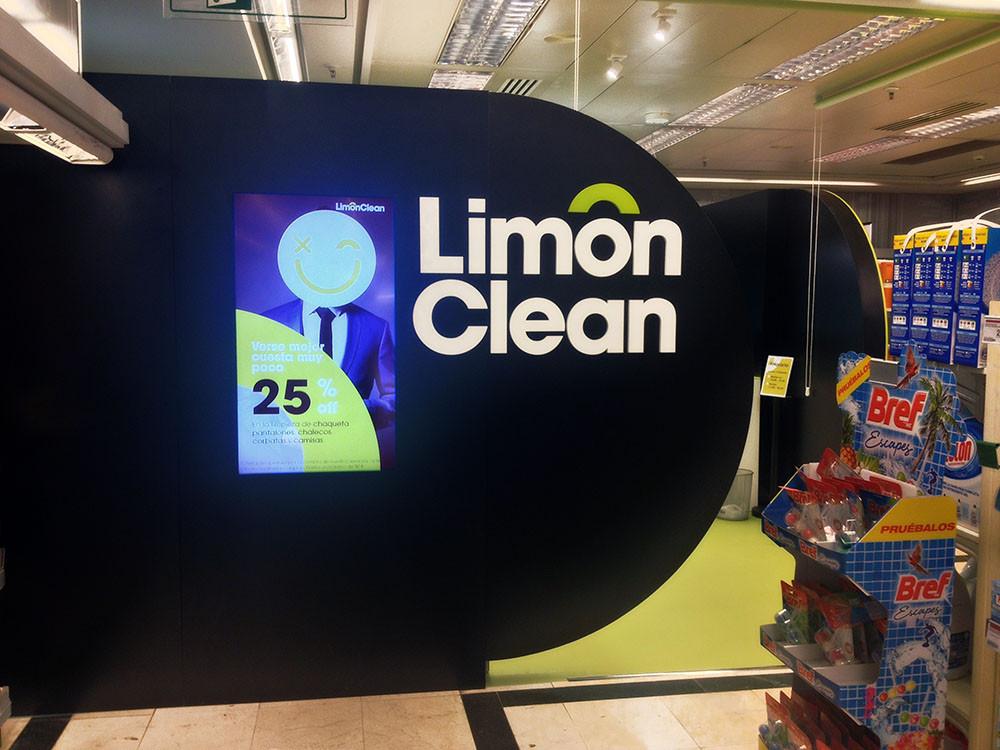 uno de los muros del corner Limón Clean