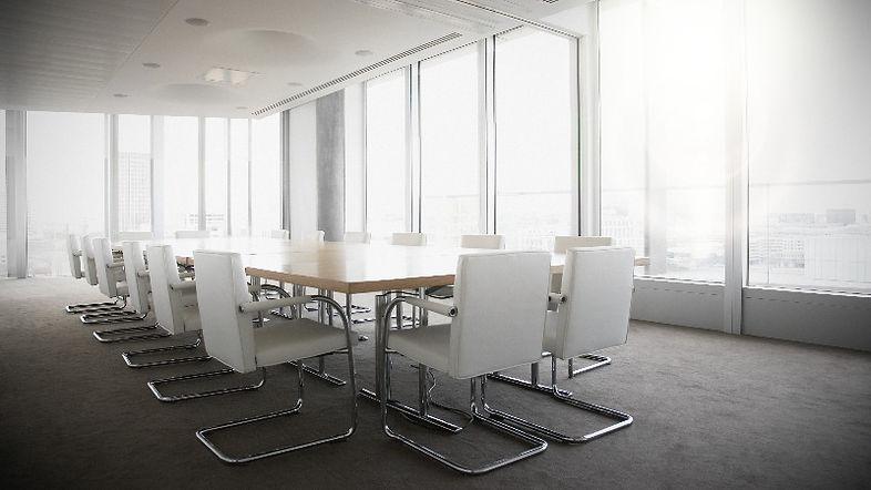 diseño de oficinas estilo minimalista