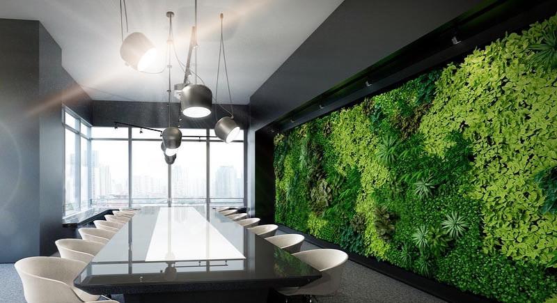jardin vertical en sala de reuniones en una reforma de oficinas