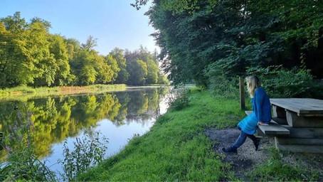 Walk, nature, deep connection