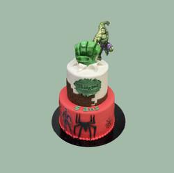 Gâteau d'anniversaire Avengers