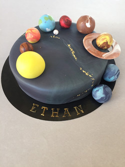 Gâteau d'anniversaire galaxie