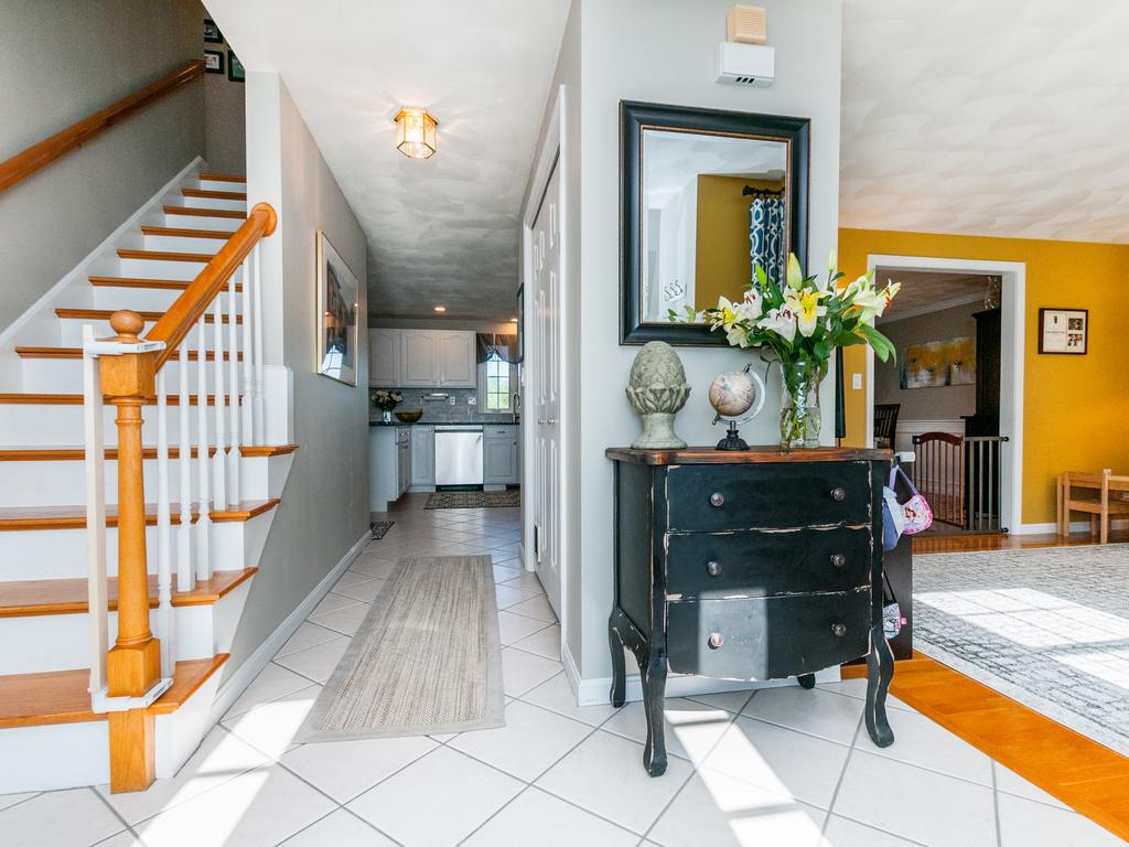 152 Neponset Street - Foyer