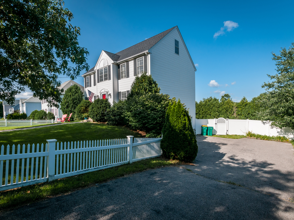 152 Neponset Street - Driveway
