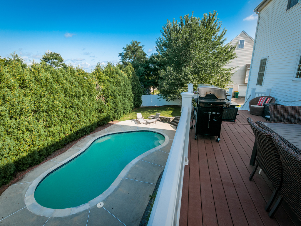 152 Neponset Street - Deck & Pool