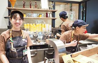 田代珈琲笑顔のスタッフ