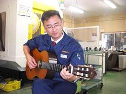 昼休みのギター練習