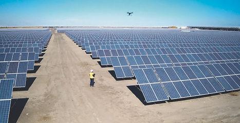 ispezione-pannelli-fotovoltaici-con-dron