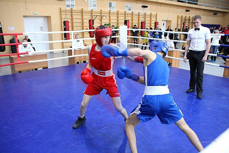 Напряженный момент. Фото: boxing-khv.ru