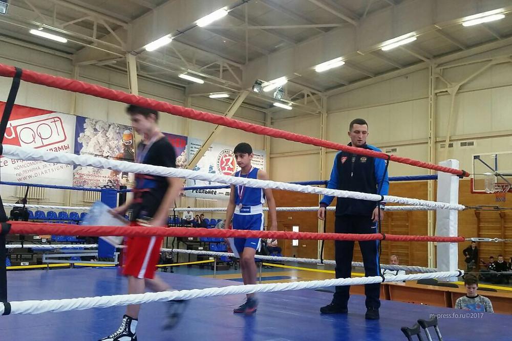 Юные боксеры возвращаются из Комсомольска с победой