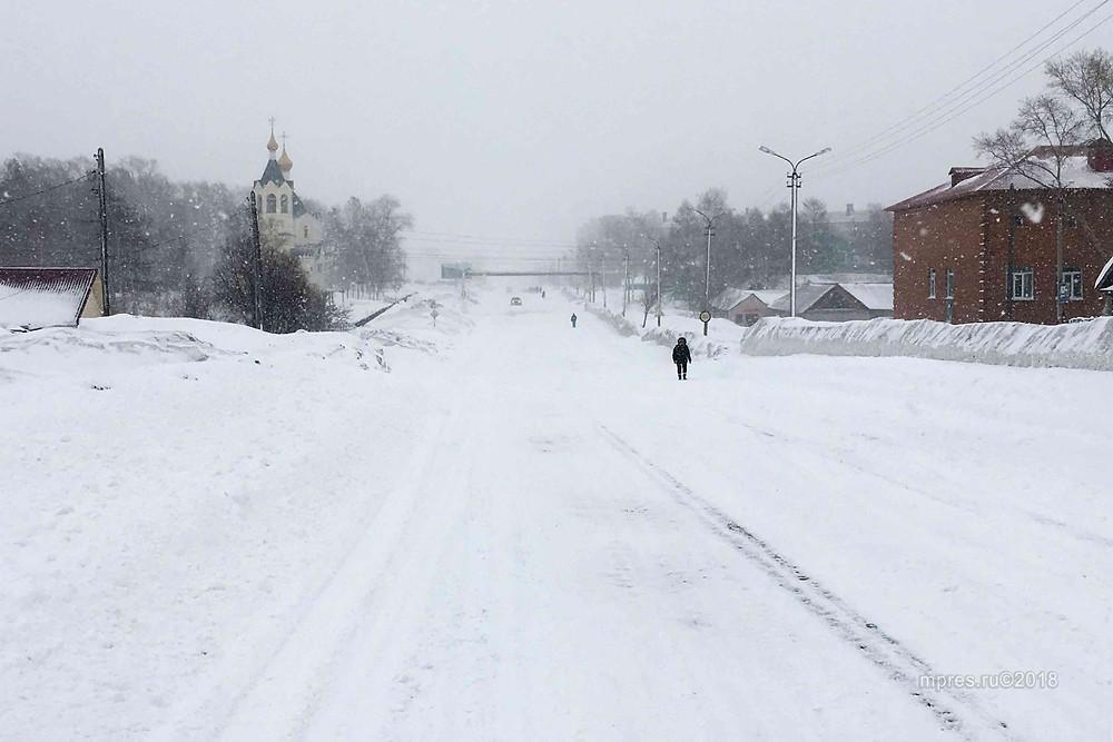Центральные дороги по состоянию на 8:00 5 апреля почищены. Фото: Алеся Кайдалова/mpres.ru