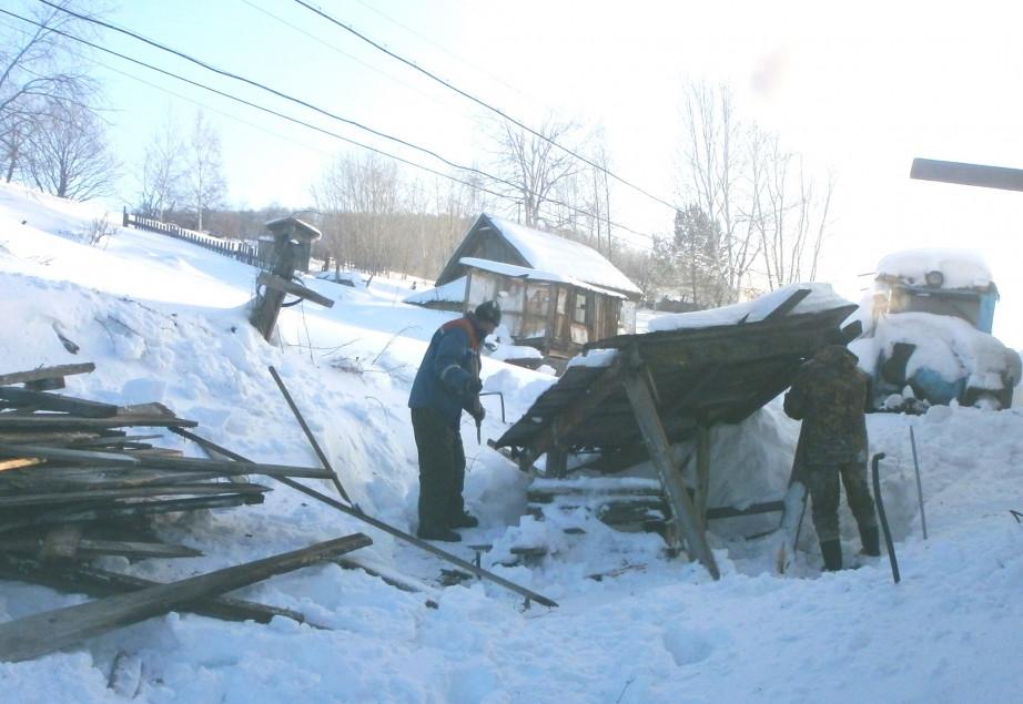 Демонтаж старого колодца. Фото: nikoladm.khabkrai.ru