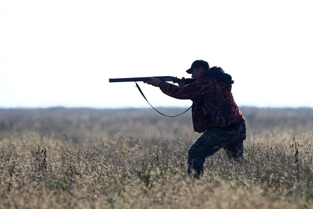 Ружье охотника и то, как он его хранит, обязательно проверят, даже если владелец оружия живет в труднодоступных краях. Фото: Reuters