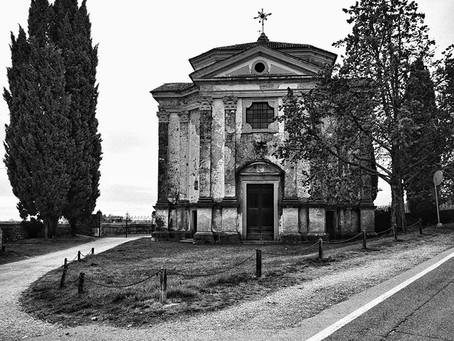La chiesa della Madonna Annunziata nei feudi di Collalto e San Salvatore