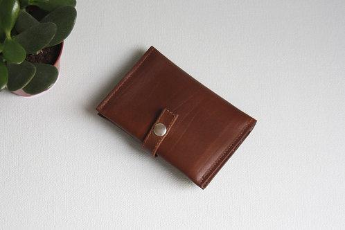 portefeuilles porte-cartes porte-monnaie carte d'identité marron cuir maroquinerie artisanale fabrication Atelier Antiope©