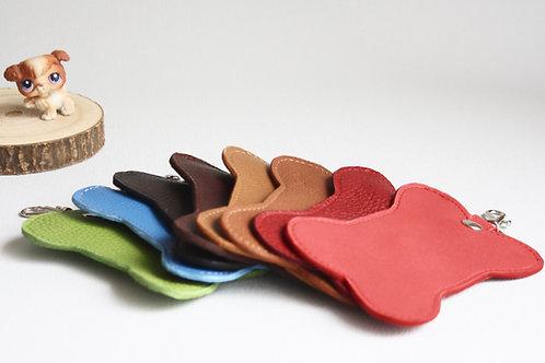 Distributeur de sacs à crottes cuir artisanal fabrication française chien maroquinerie Atelier Antiope©