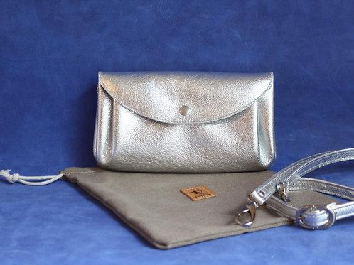 petit sac d'été cuir maroquinerie artisanale fabrication française argenté Atelier Antiope©