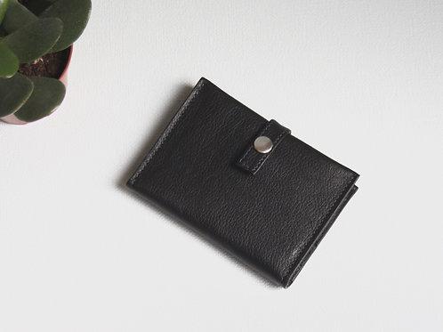 portefeuilles porte-cartes porte-monnaie carte d'identité noir cuir maroquinerie artisanale Atelier Antiope© française