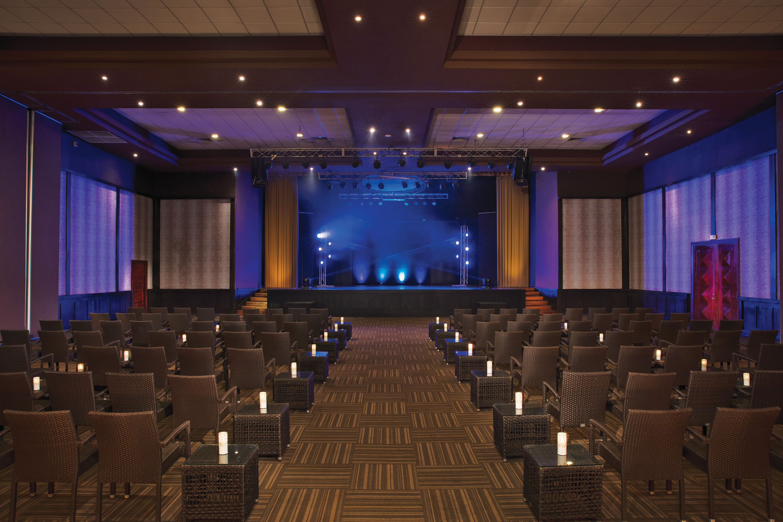 Travel Agency All-Inclusive Resort Dreams Palm Beach 11
