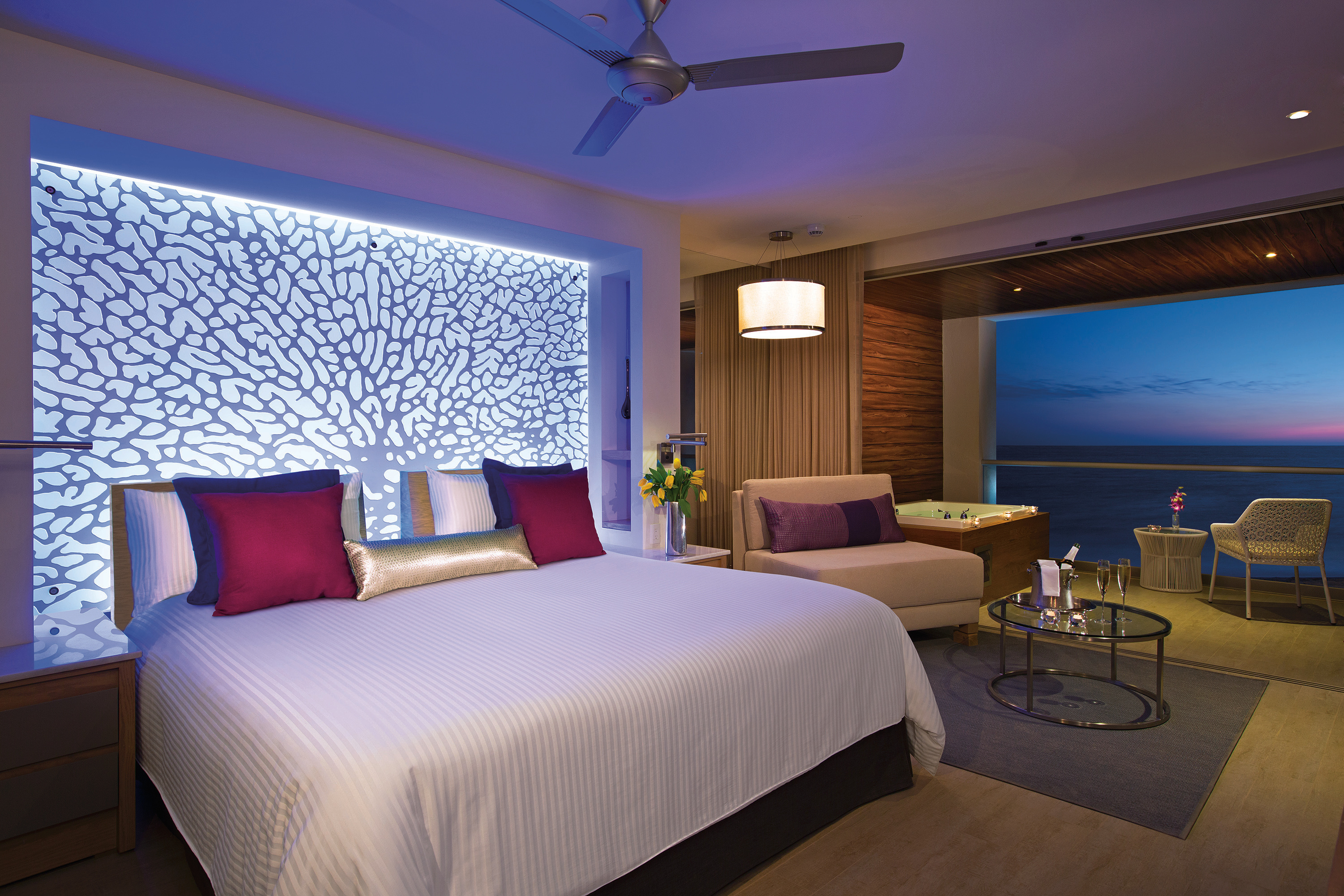 Travel Agency All-Inclusive Resort Breathless Riviera Cancun 17g