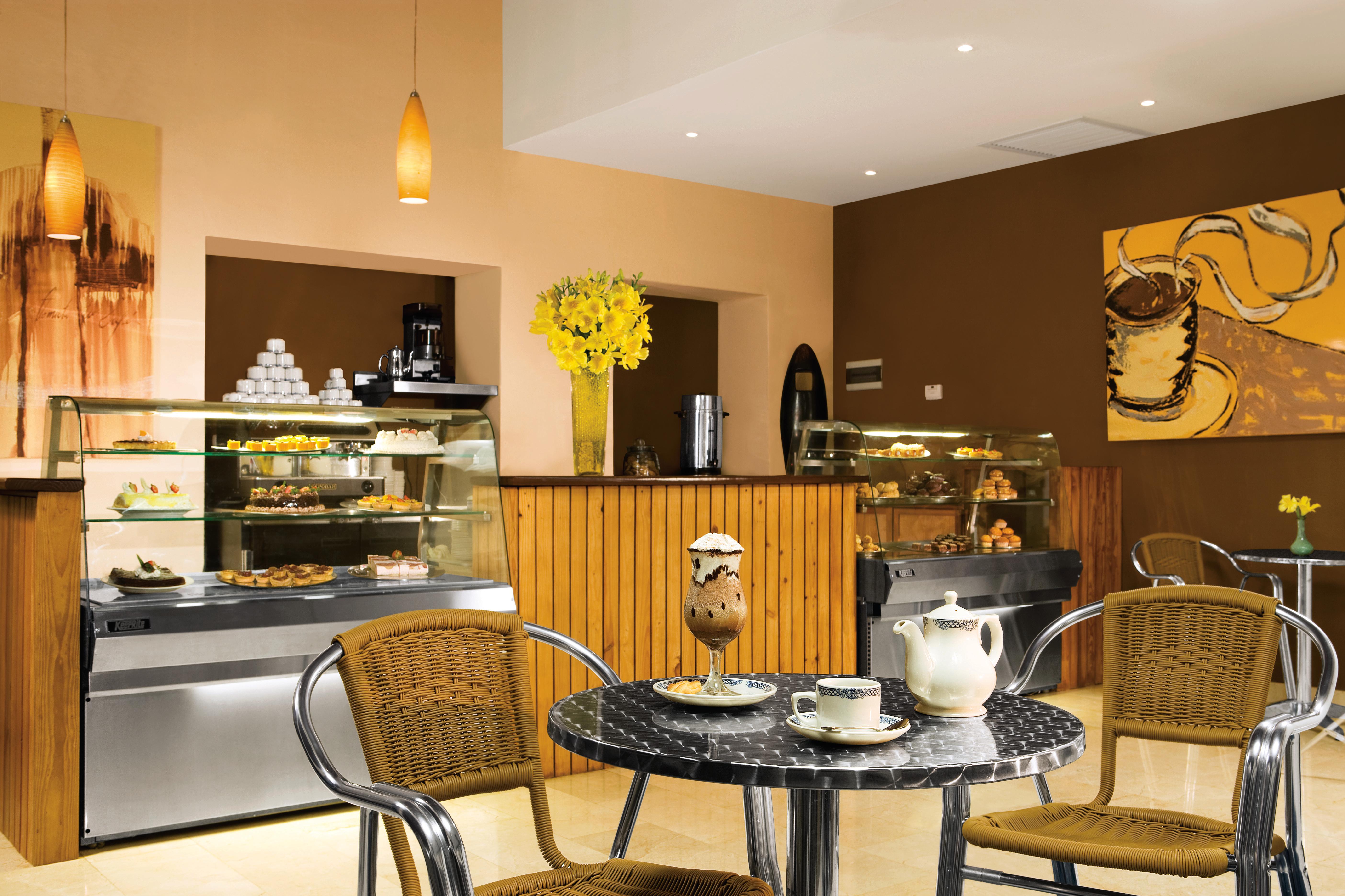 Travel Agency All-Inclusive Resort Dreams Palm Beach 39