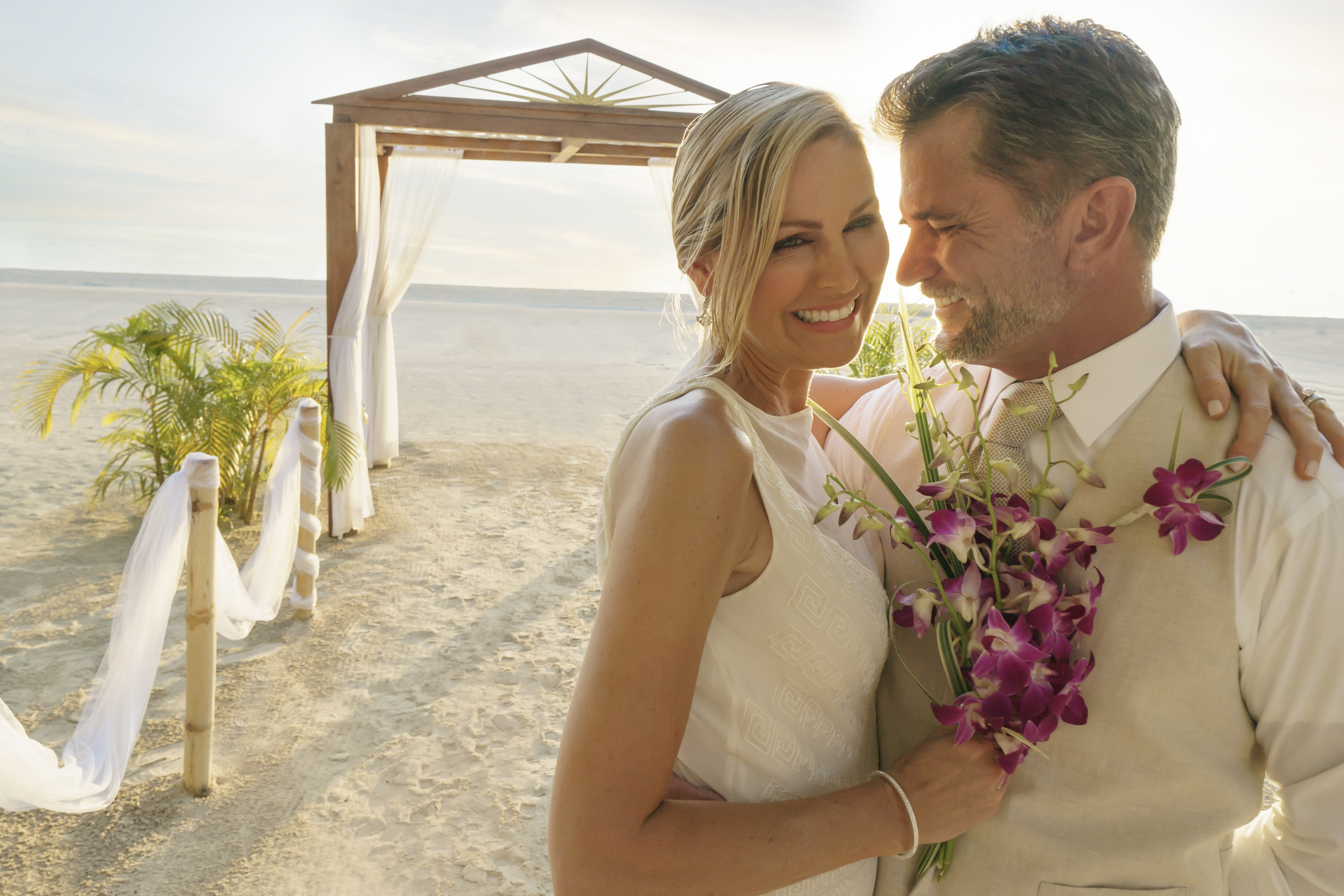 Travel Agency All-Inclusive Resort Couples Swept Away 13