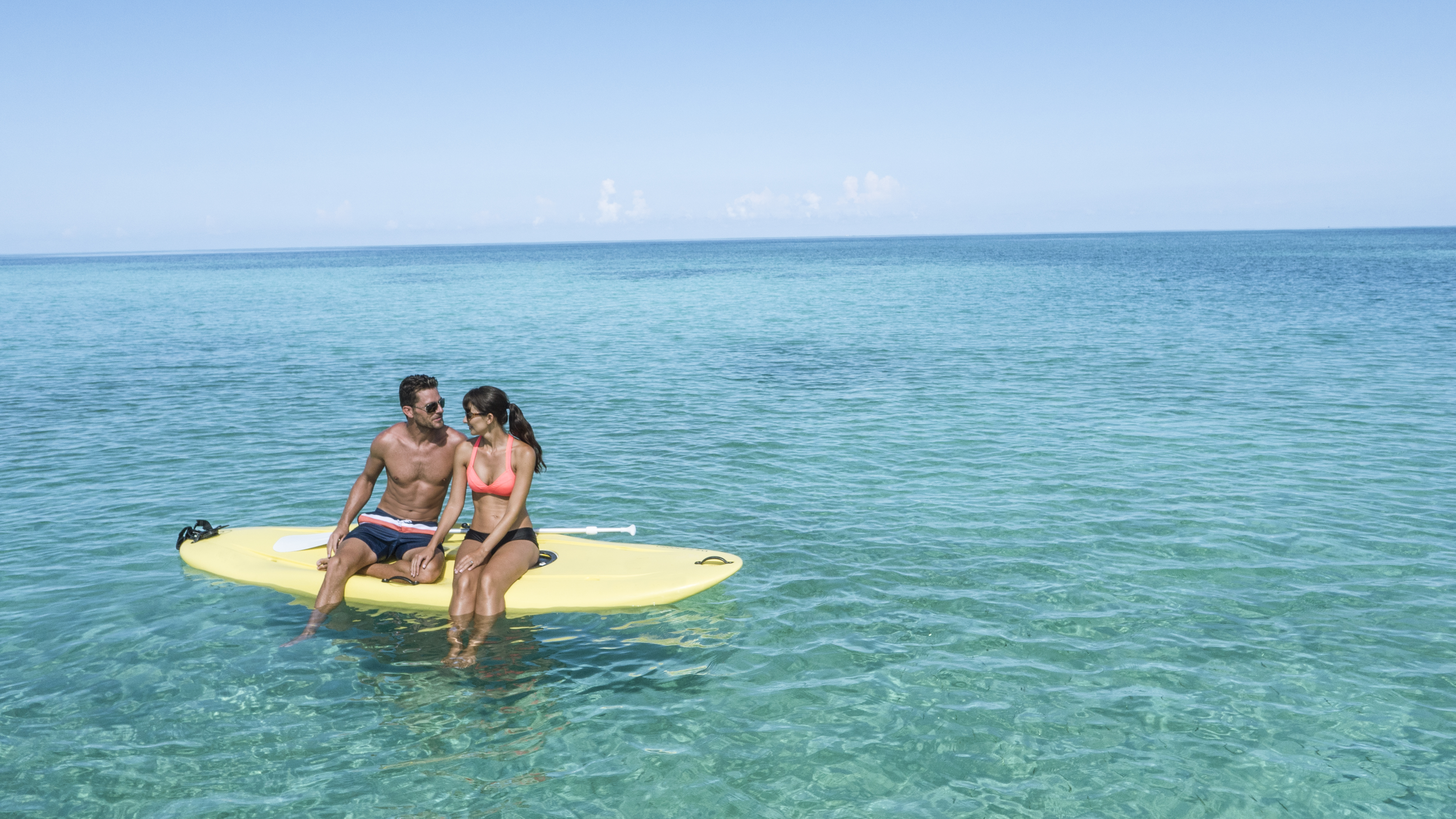 Travel Agency All-Inclusive Resort Couples Swept Away 07