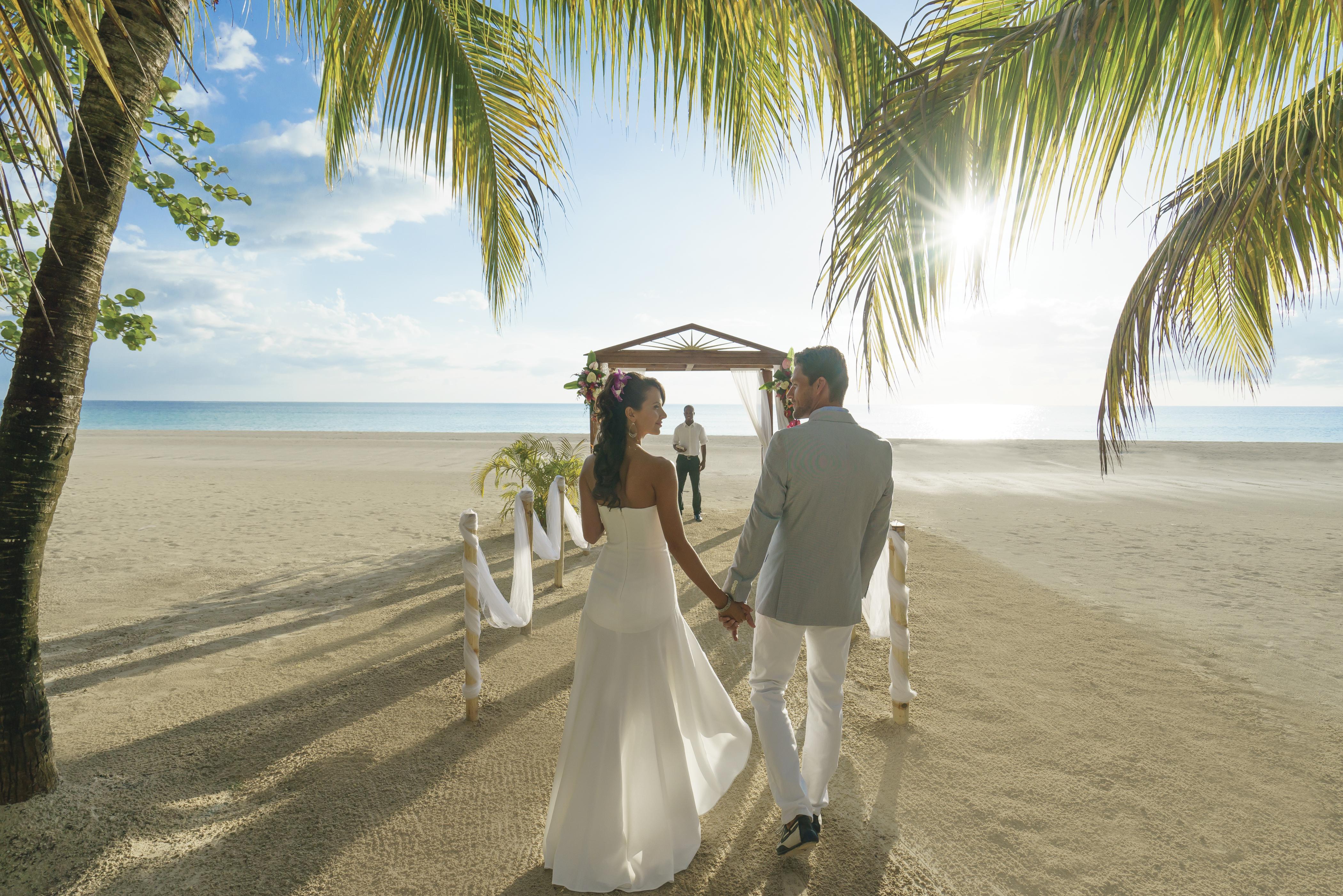 Travel Agency All-Inclusive Resort Couples Swept Away 11