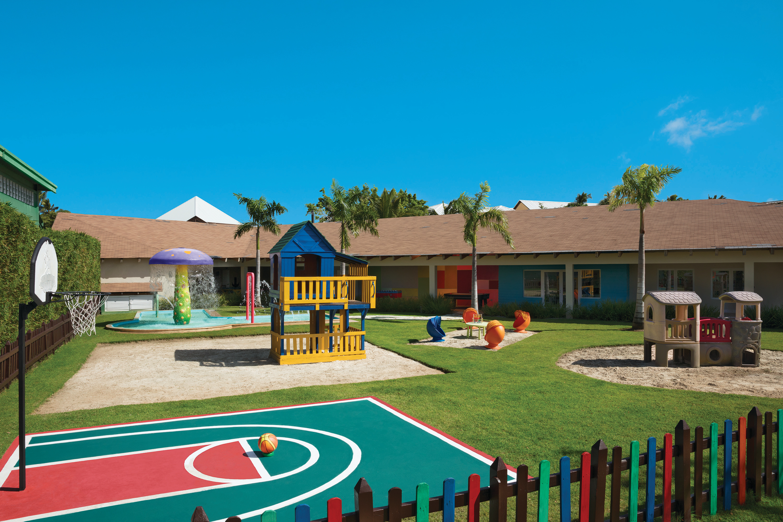 Travel Agency All-Inclusive Resort Dreams Palm Beach 57