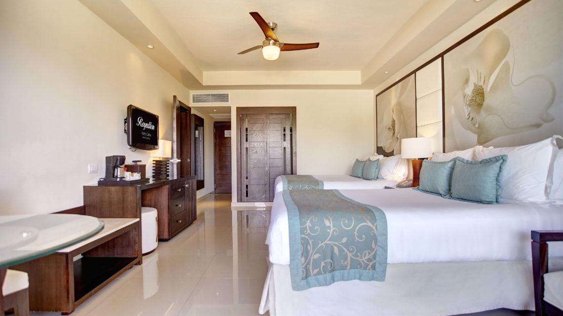 Travel Agency All Inclusive Resort Hideaway at Royalton Punta Cana 09