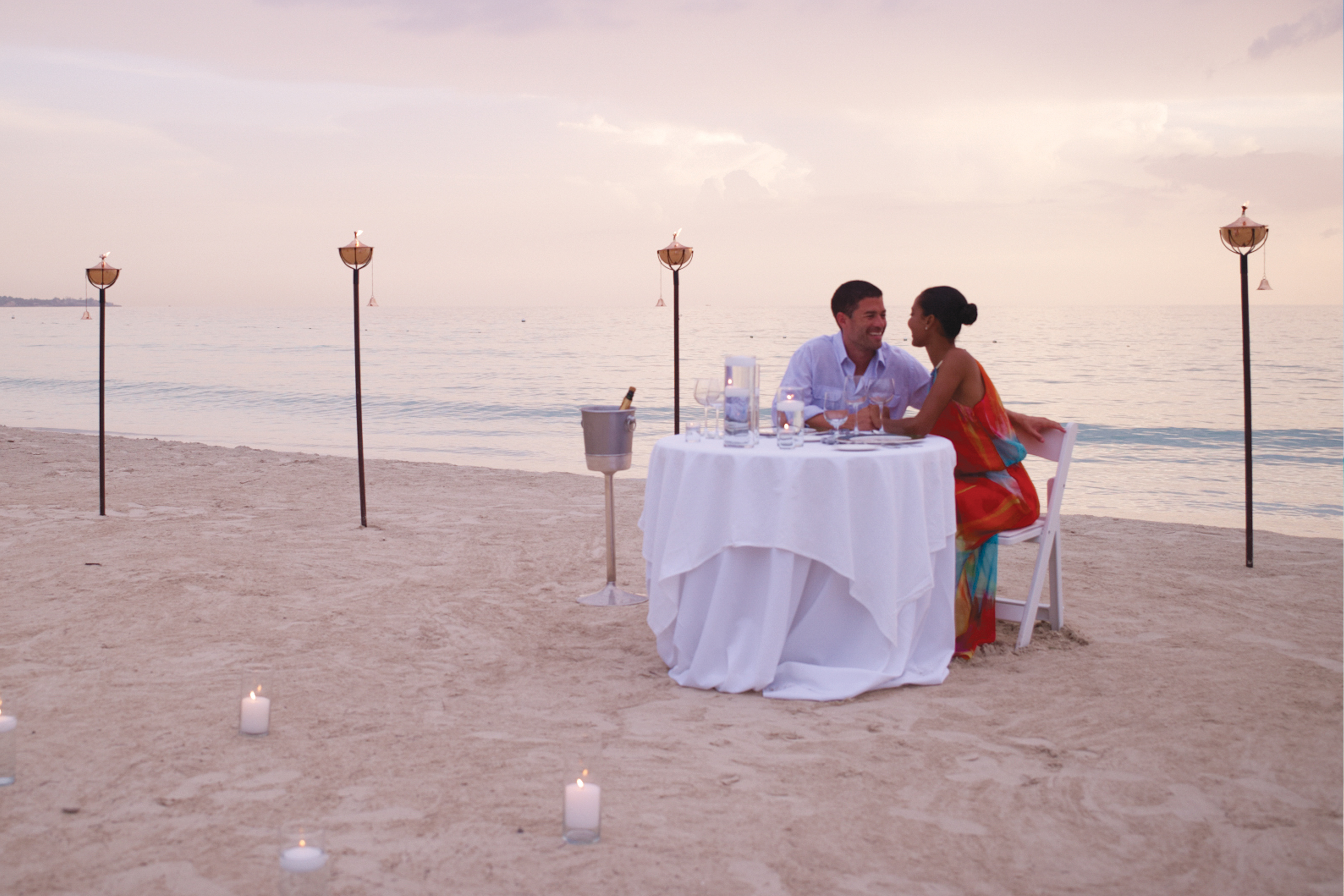 Travel Agency All-Inclusive Resort Couples Swept Away 55