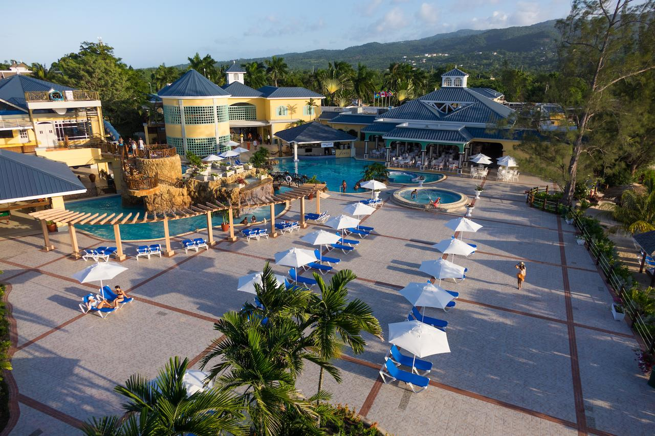 Jewel Paradise Cove Beach