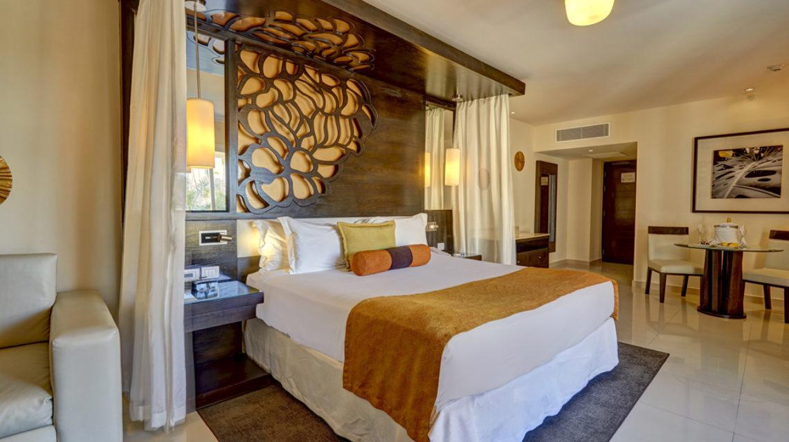 Travel Agency All Inclusive Resort Hideaway at Royalton Punta Cana 18