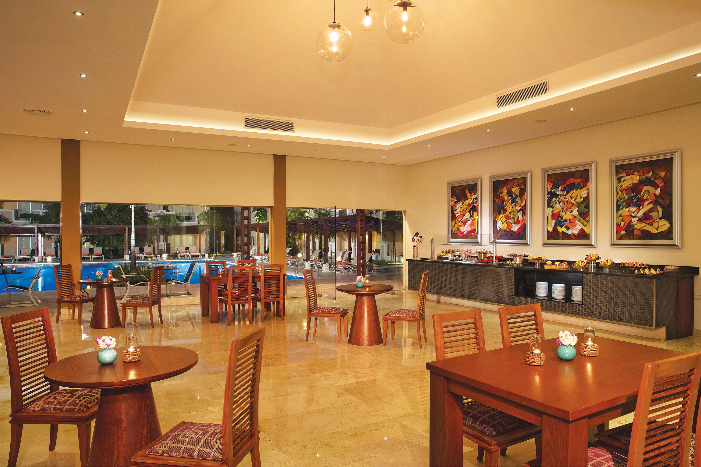 Travel Agency All-Inclusive Resort Dreams Palm Beach 10