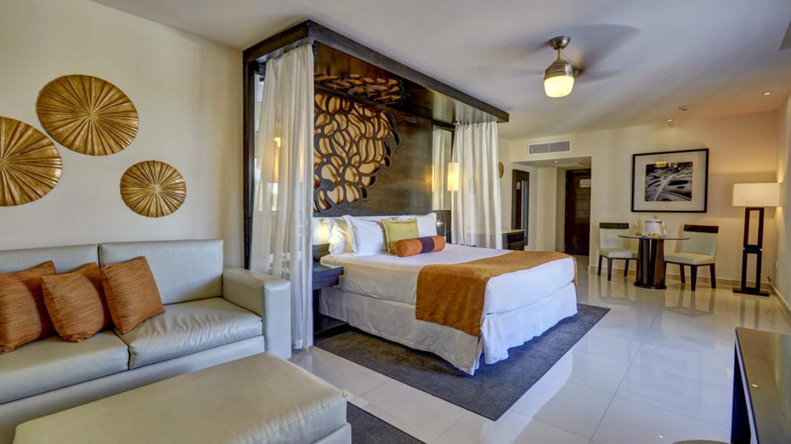 Travel Agency All Inclusive Resort Hideaway at Royalton Punta Cana 19