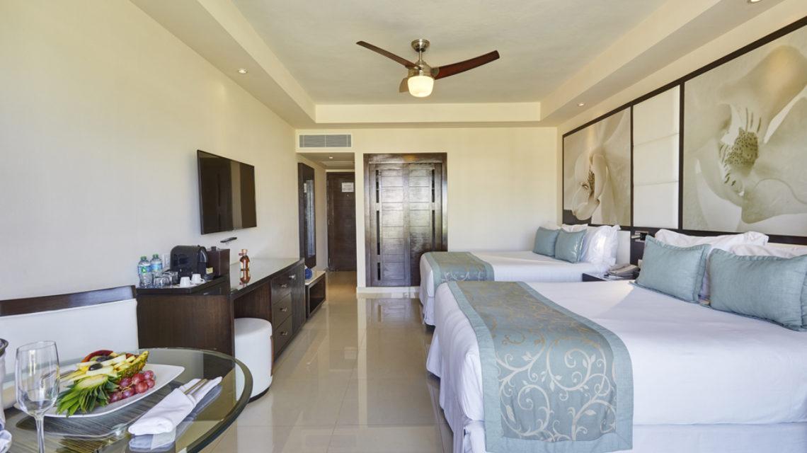 Travel Agency All Inclusive Resort Hideaway at Royalton Punta Cana 13