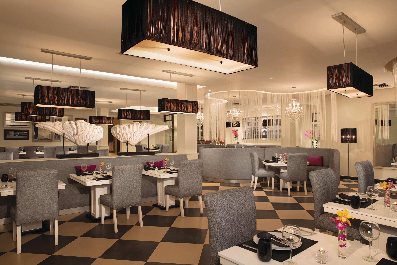 Travel Agency All-Inclusive Resort Dreams Palm Beach 42