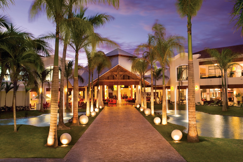 Travel Agency All-Inclusive Resort Dreams Palm Beach 05