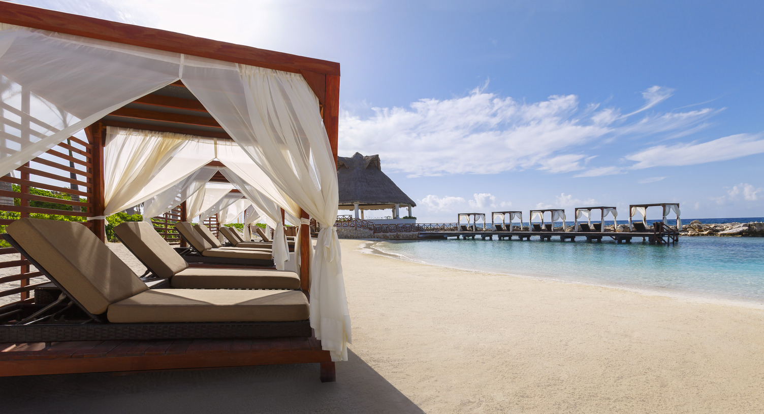 Travel Agency All-Inclusive Resort Hard