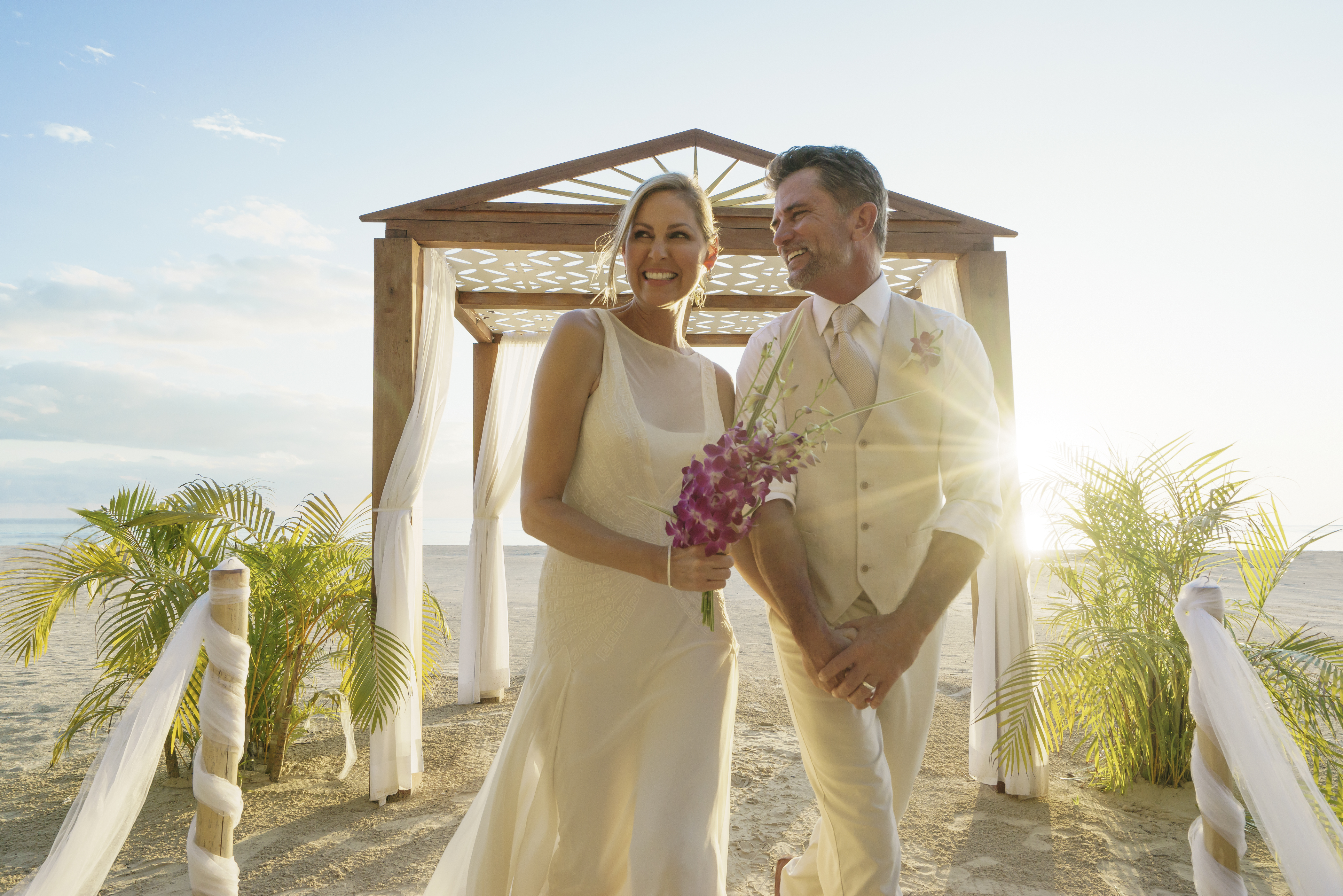 Travel Agency All-Inclusive Resort Couples Swept Away 12