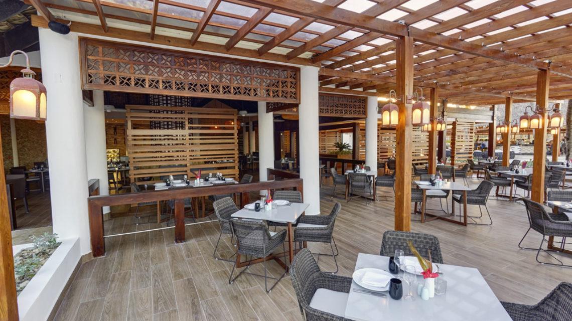 Travel Agency All Inclusive Resort Hideaway at Royalton Punta Cana 25