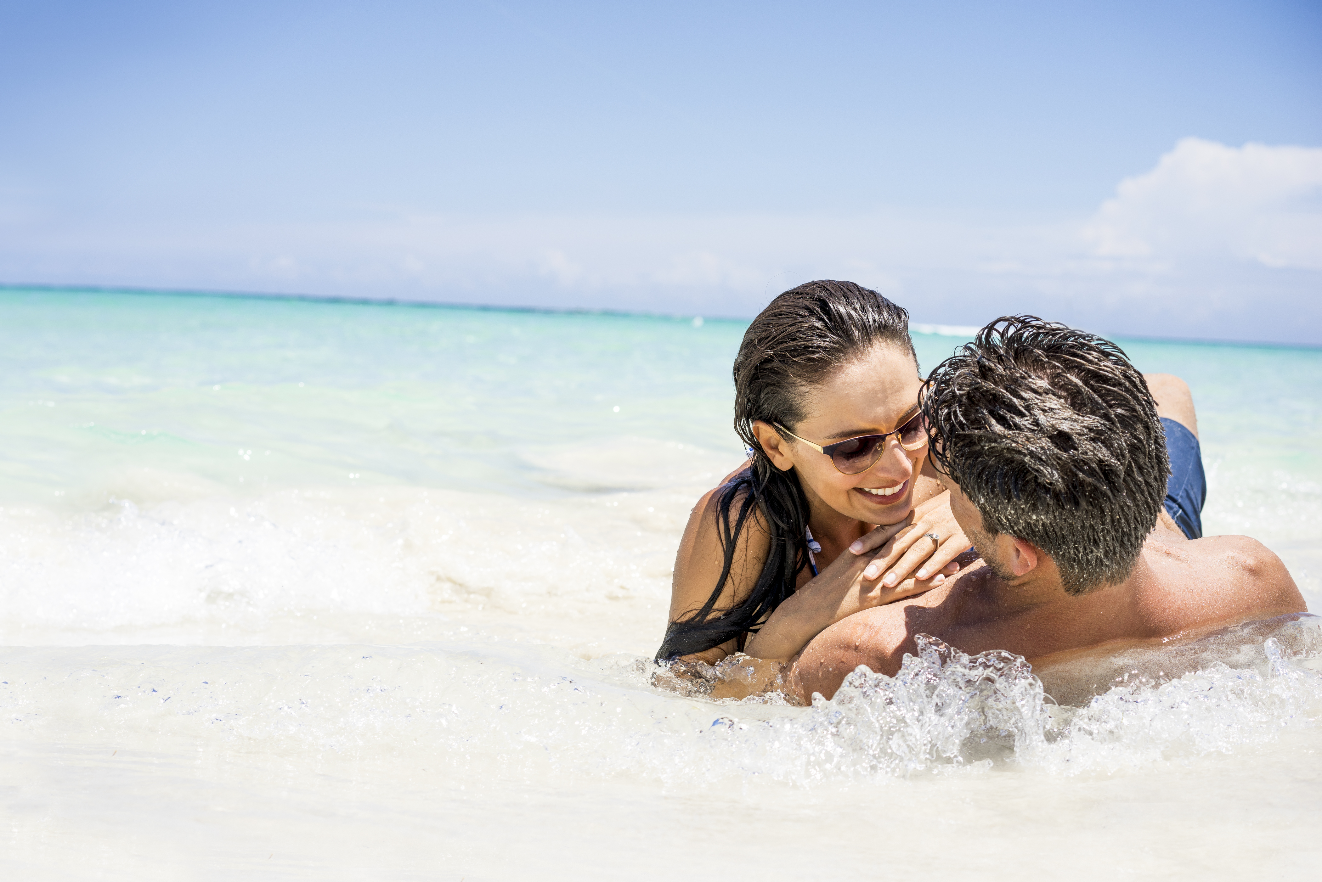 Travel Agency All-Inclusive Resort Couples Swept Away 06